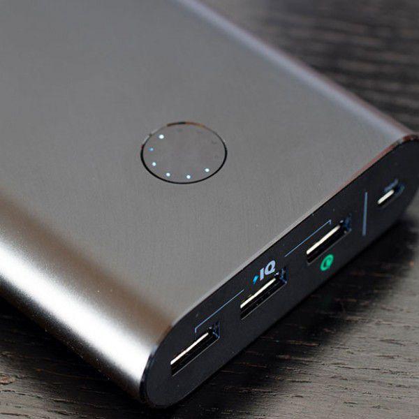 انكر بطارية احتياطية باور كور بلس ميني سعة 3350 ملي امبير للهواتف الذكية ، اسود